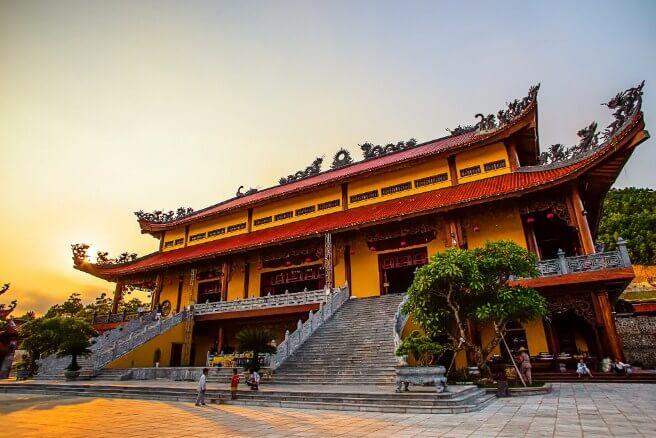 Du lịch đầu năm về Chùa Ba Vàng Yên Tử