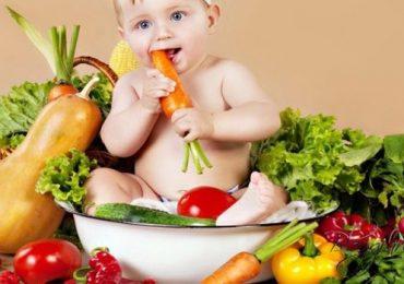 Trẻ bị táo bón phải làm sao, chữa táo bón hiệu quả cho bé