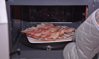Nướng thịt bằng lò vi sóng