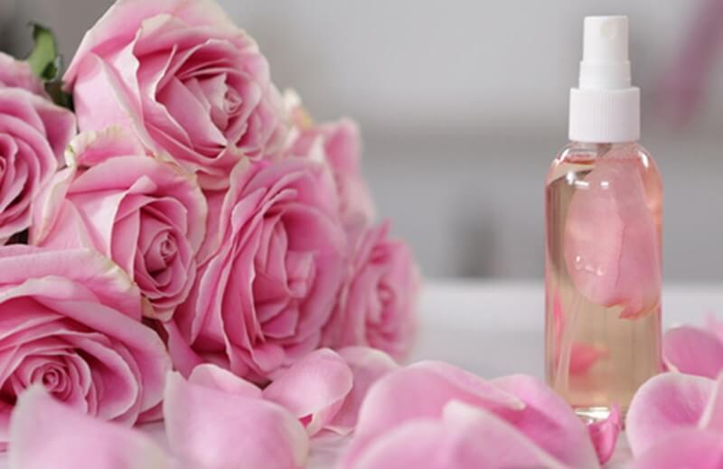 Nước hoa hồng handmade