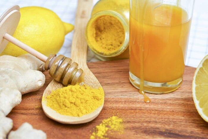 Pha tinh bột nghệ mật ong uống ngay