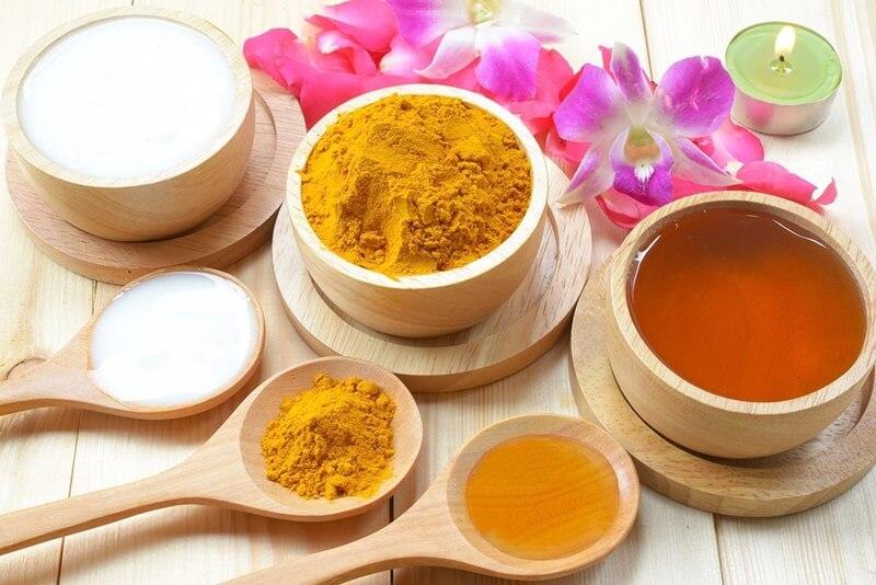 Tinh bột nghệ và mật ong rất có lợi cho sức khoẻ