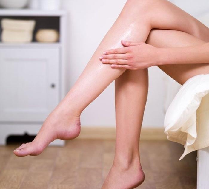 Che khuyết điểm chân khi mặc váy