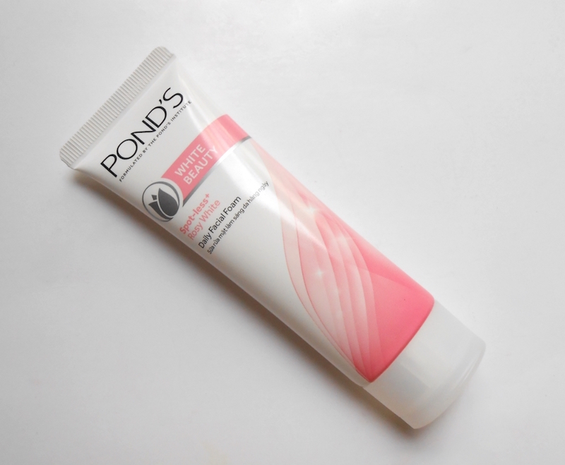 Pond's White Beauty Spotless Rosy White Daily Facial Foam