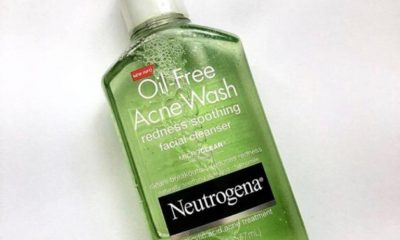 Neutrogena Oil – Free Acne Wash Redness Soothing Cleanser